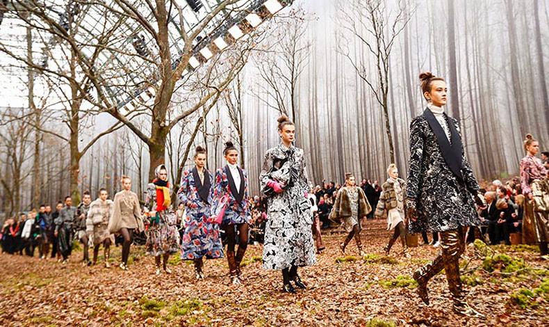 Ήταν μια πασαρέλα του Christian Dior, που τον ενέπνευσε να ανακαλύψει το πρώτο του πάθος: τη μόδα.